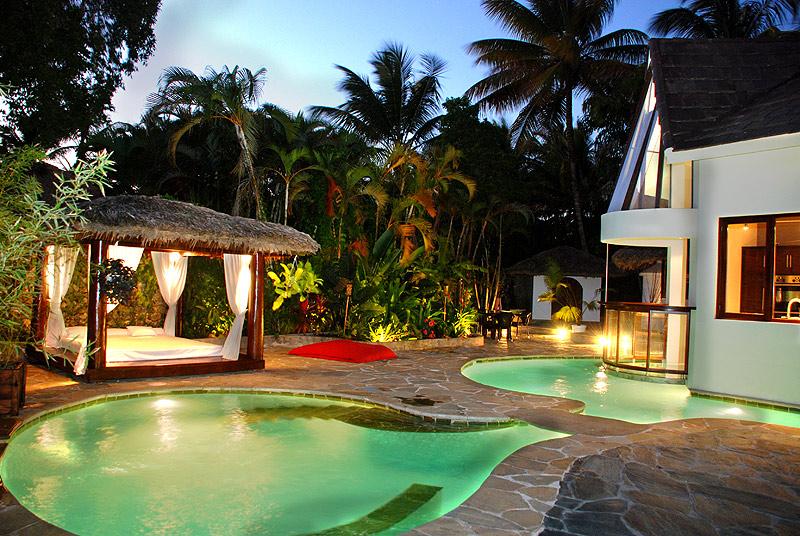 Sparkling Voyages Sea Horse Ranch Luxury Villa Resort